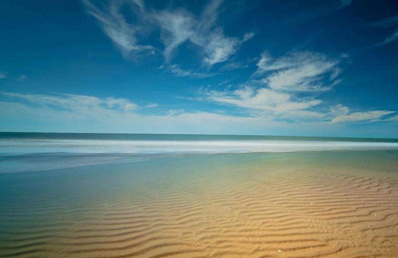 Biển Hồ Tràm sáng sớm - Du lịch bằng xe vip sân bay Vũng Tàu